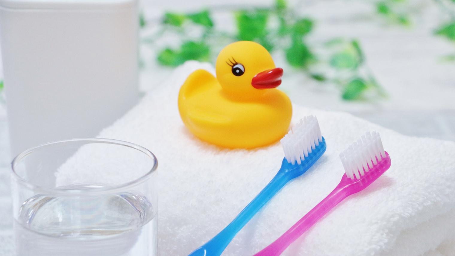 いつから始める?赤ちゃんの歯磨き時期と磨き方